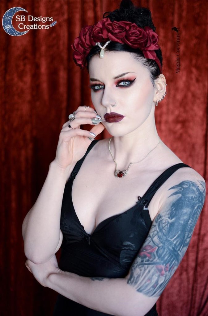 Gothic-Queen-Raven-Ketting-SB Designs Creations