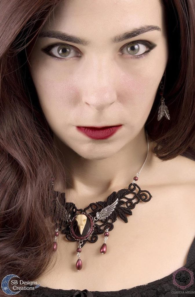 Gothic-Skull-Lace-Ketting-SBDesignsCreations