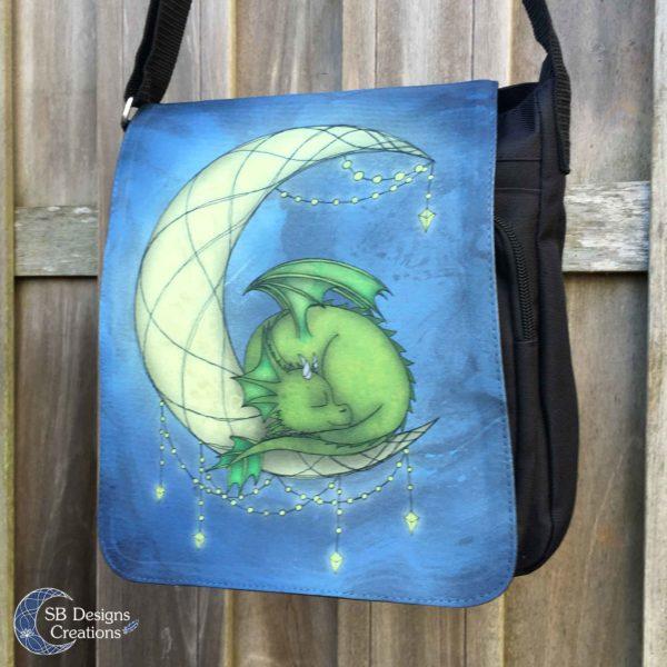 Moon-Dragon-Klein-Draakje-Maan-SB Designs Creations