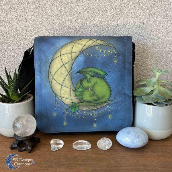 Draakje op de Maan - Dragon on the Moon - Little Moondragon-1