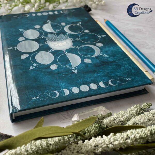 Maanfasen Hardcover Notitieboek A5 Blanco of Lijntjes Witch Book of Shadows Teal-4