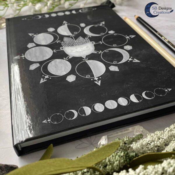 Maanfasen Moon Cycle Heksenketel Zwart Notitieboek Hardcover A5-4